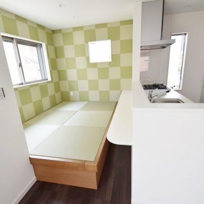 キッチン前には畳コーナー(約3畳)